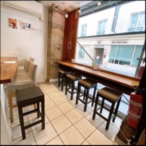 パリ うどん jubey-udon-intérieur-salle
